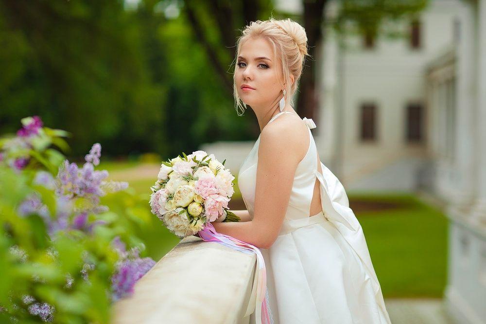 iznajmljivanje venčanice cena, La Perla