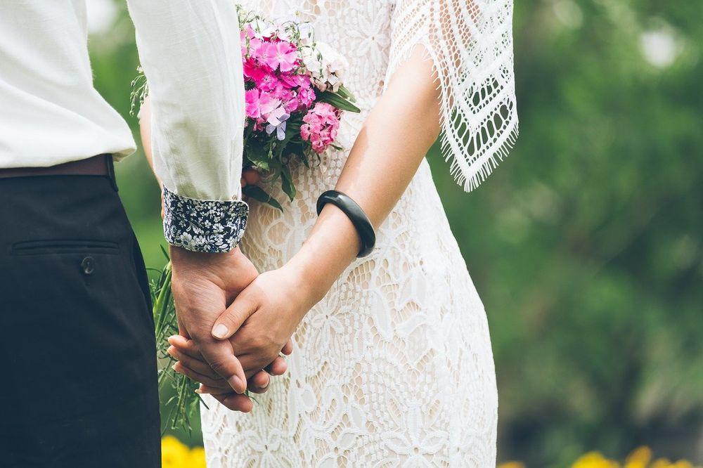 Venčanica sa rukavima, La Perla